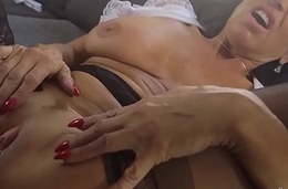 Milf bangs black shlong
