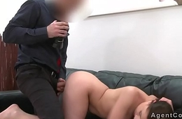 Fake agent cums on pussy of brunette
