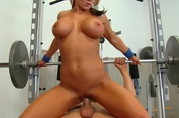 WANKZ- Sexxy Nikki Works out her Rack