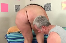 Fat Honey Calista Roxxx Gets a Massage with the addition of a Dildo Up Her Cunt