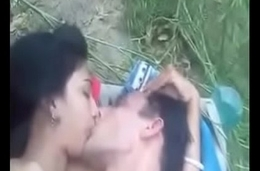 Bhabi gets fucked outdoor by BF
