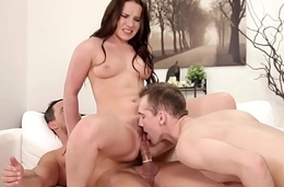 Pussylicking stud satisfied by fat cock